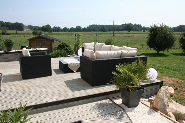 Aménagement d\'une terrasse en bois composite gris - Moderne ...