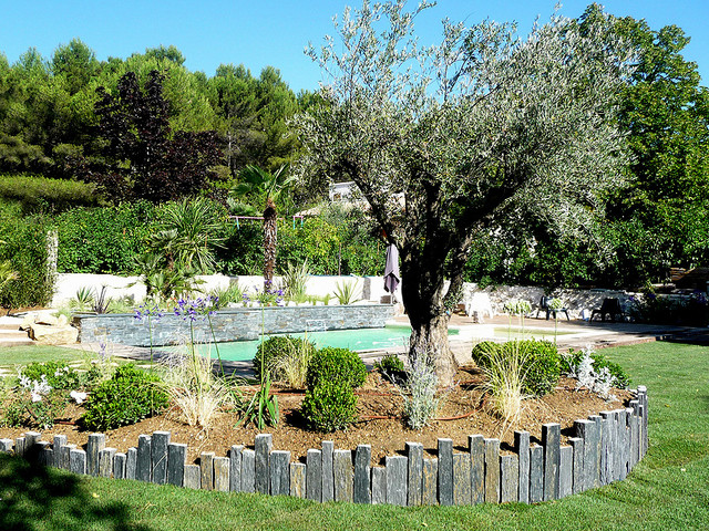 Am nagement ext rieur gr asque m diterran en jardin for Amenagement jardin mediterraneen