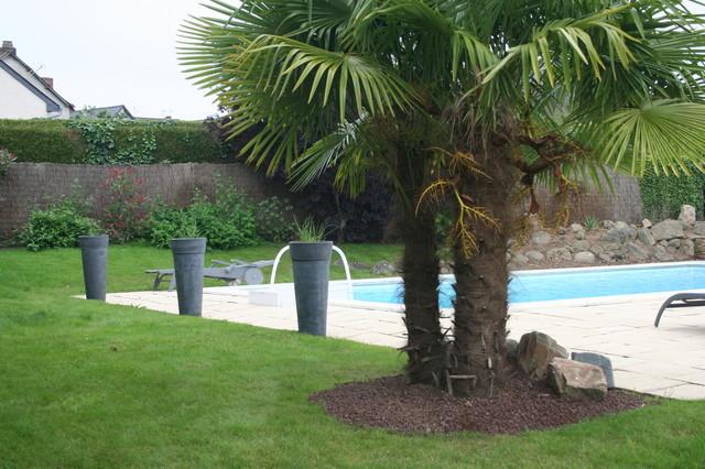 ardoise palmiers et plage de piscine contemporain jardin angers par eurl olivier dubois. Black Bedroom Furniture Sets. Home Design Ideas