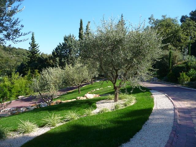 cap d 39 antibes jardins m diterran en jardin nice par atelier nelumbo garden design. Black Bedroom Furniture Sets. Home Design Ideas