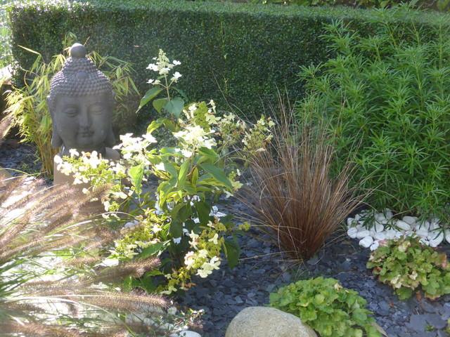 Cr ation de jardin zen tropical landscape other metro by de l 39 id e eau jardin sarl - Creation jardin zen ...