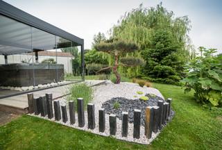 cr ation de terrasse en padouk et de massifs avec niwaki contemporain jardin angers par. Black Bedroom Furniture Sets. Home Design Ideas