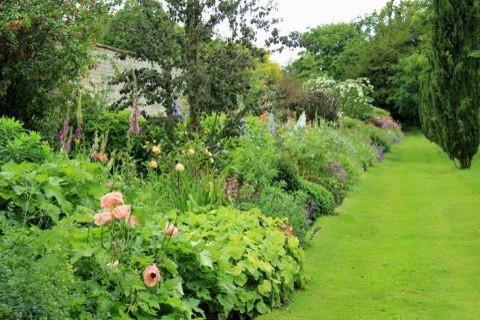 Jardin anglais classique chic jardin toulouse par for Image de jardin anglais