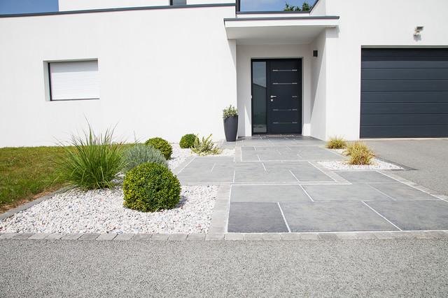 Focus dallage entr e moderne terrasse et patio other for Entree de jardin moderne