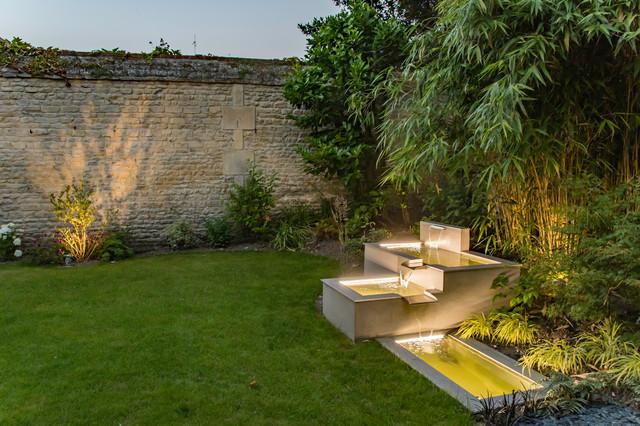 Jardin de ville avec bassin - Minimalistisch - Garten ...