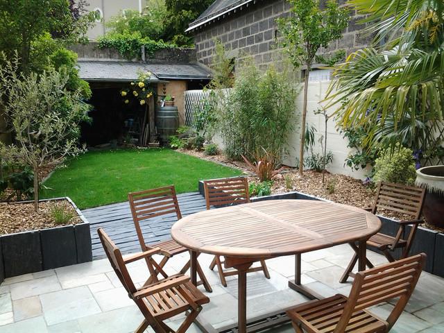 Jardin de ville for Piscine de jardin humour
