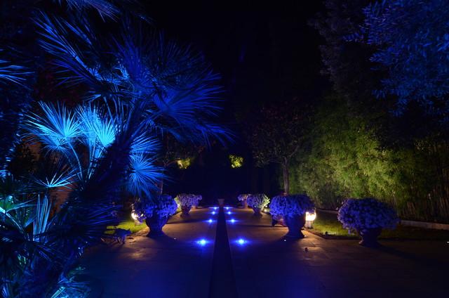 Jardin contemporain jardin montpellier par clairagiste conception lumi re audiovisuelle - Jardin pente rocaille montpellier ...