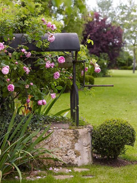Jardins de charme romantique jardin nantes par preaud paysagiste - Jardin romantique definition nantes ...