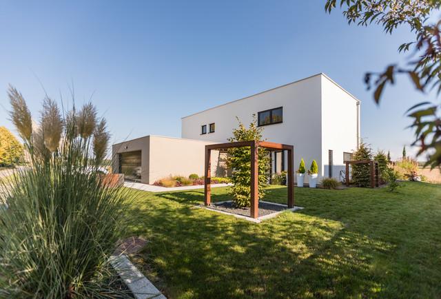 Maison passive proche de Mulhouse - Minimalistisch - Garten ...