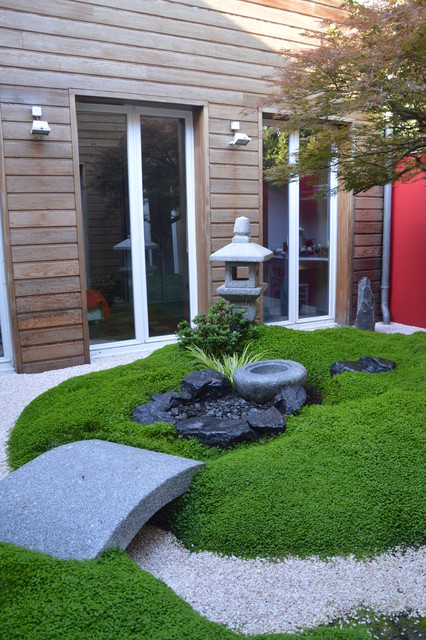 petit jardin japonais dans un patio asian garden. Black Bedroom Furniture Sets. Home Design Ideas