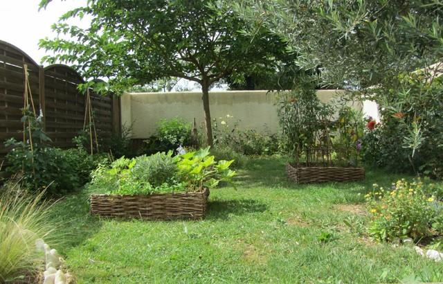 petit jardin nourricier farmhouse landscape nantes. Black Bedroom Furniture Sets. Home Design Ideas