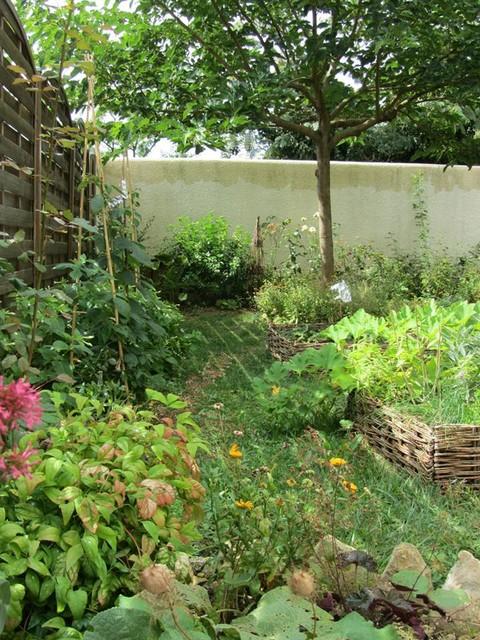 Petit jardin nourricier farmhouse landscape nantes by sous le cerisier - Petit jardin mediterraneen nantes ...