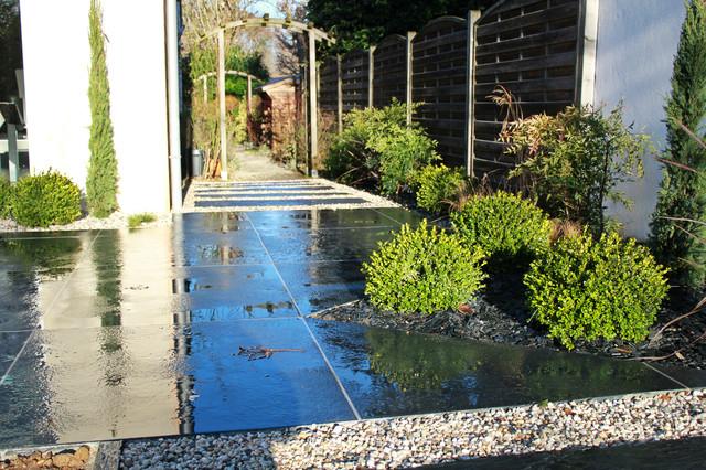 Plantations terrasse moderne jardin paris par for Plantations jardin