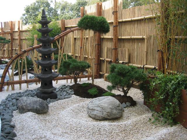 S paration koetsu gaki dans un jardin japonais asiatique for Jardin japonais sable