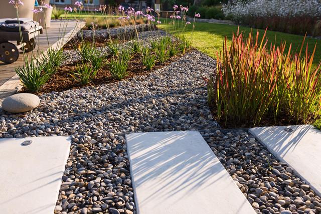 Trets un jardin contemporain l 39 ambiance naturelle for Jardin contemporain