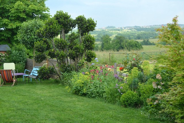 un jardin ouvert sur la campagne campagne jardin lyon par mon jardin en ligne. Black Bedroom Furniture Sets. Home Design Ideas