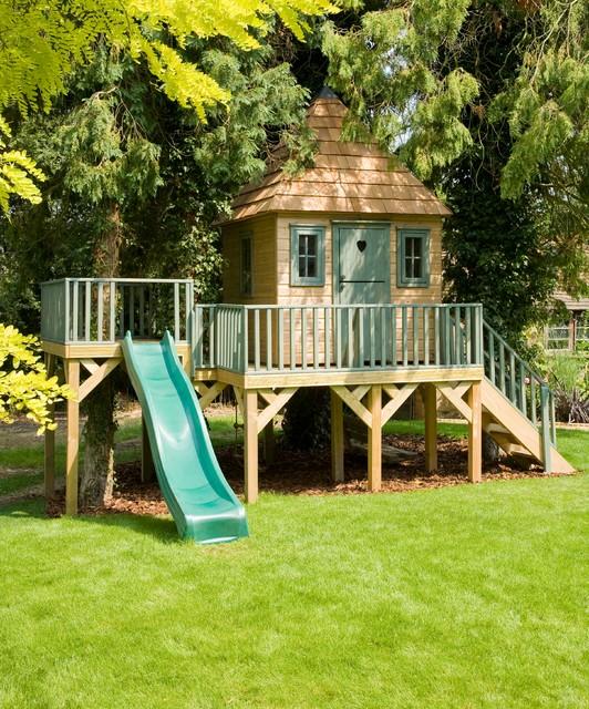 Children 39 s wooden treehouse for Kids wooden treehouse