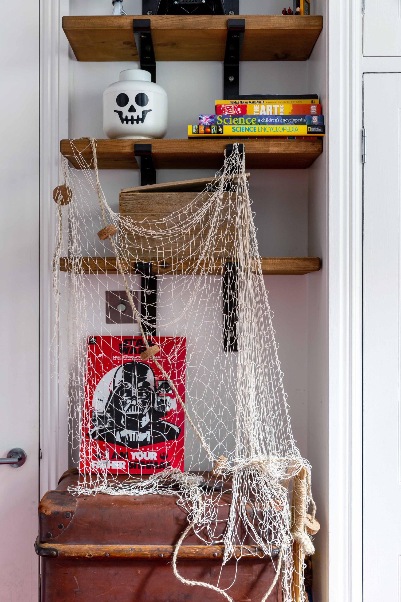 Kid's Rustic Bedroom