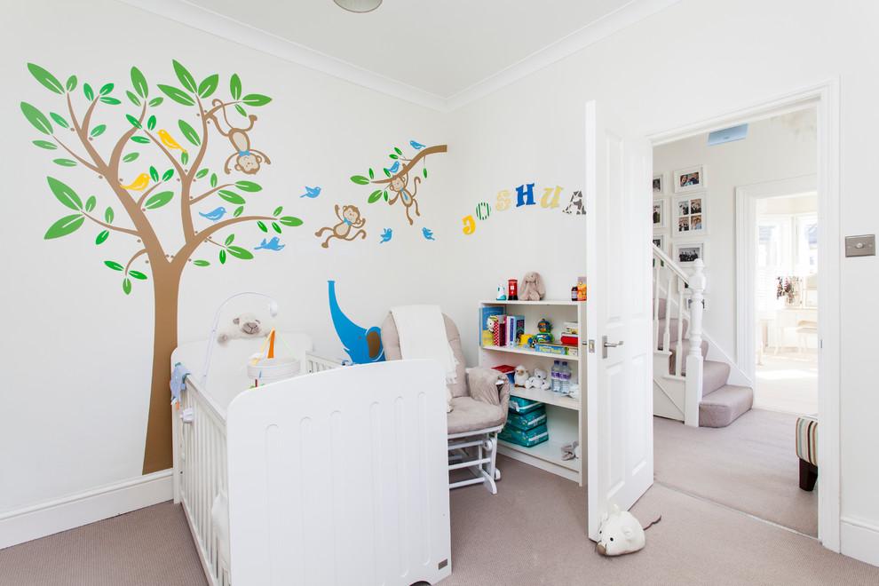 Kids' room - traditional kids' room idea in London