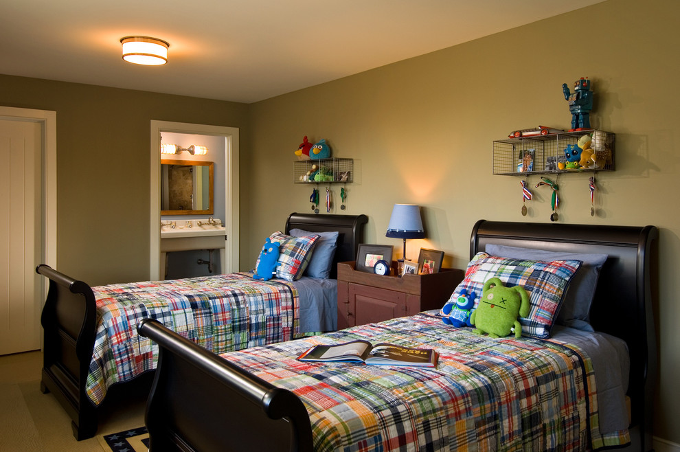 Inspiration for a rustic kids' bedroom remodel in New York