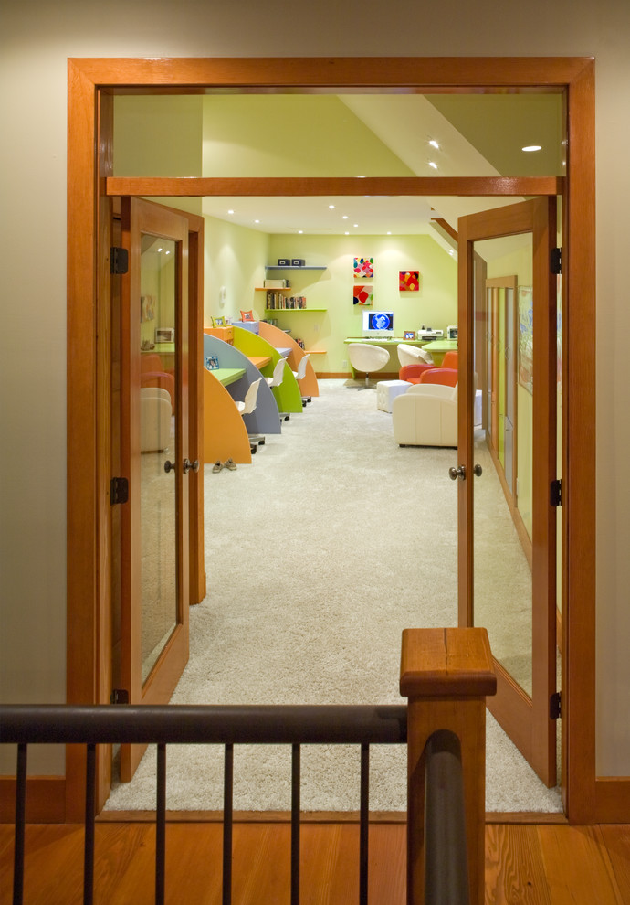 Example of a trendy kids' room design in Vancouver