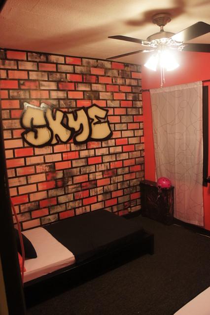 80 S Grafitti Themed Girls Bedroom