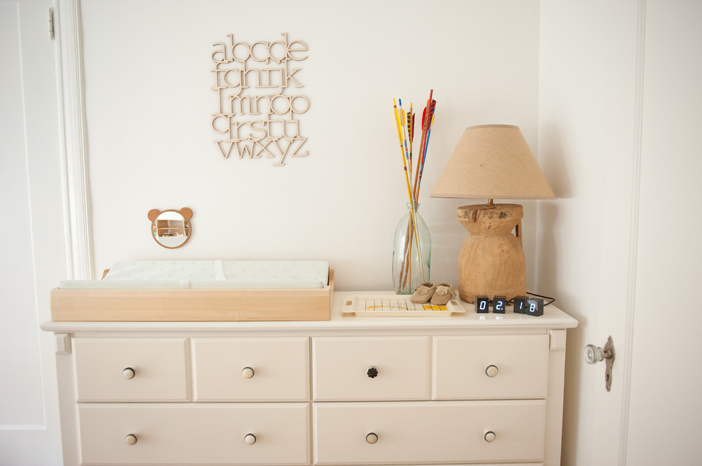 Minimalist kids' room photo in Dallas