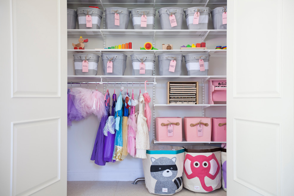 Inspiration for a transitional kids' room remodel in San Francisco