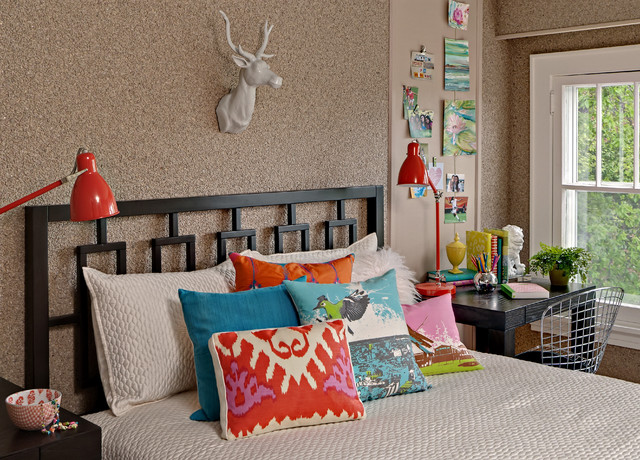 Inspiration for an eclectic girl kids' room remodel in Minneapolis