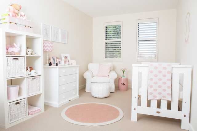 Baby Girl Nursery Modern Kinderzimmer