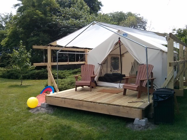 Backyard fort hideaway rustic kids chicago for How to build a wood fort in your backyard