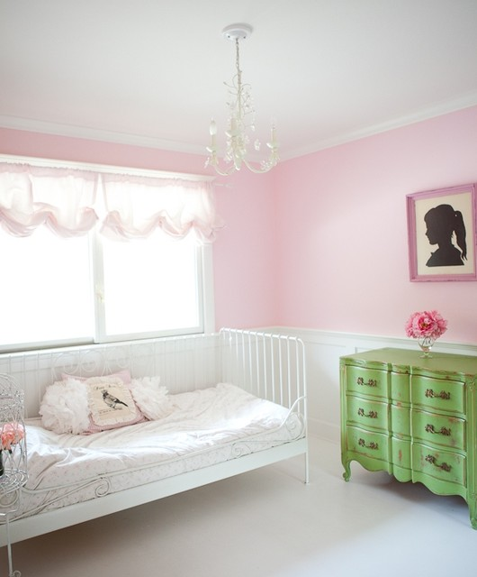 30 Creative And Trendy Shabby Chic Kids Rooms: Ballet Girls Bedroom