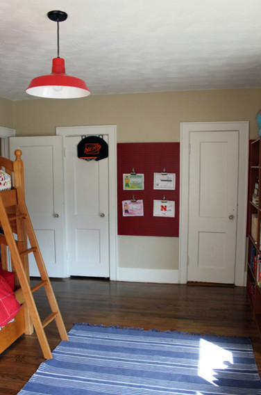 Example of a trendy kids' room design in Tampa