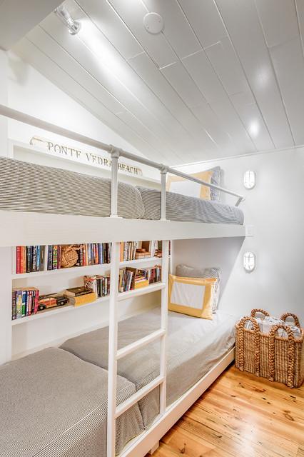 beach chic design kid space bord de mer chambre d 39 enfant jacksonville par beach chic design. Black Bedroom Furniture Sets. Home Design Ideas