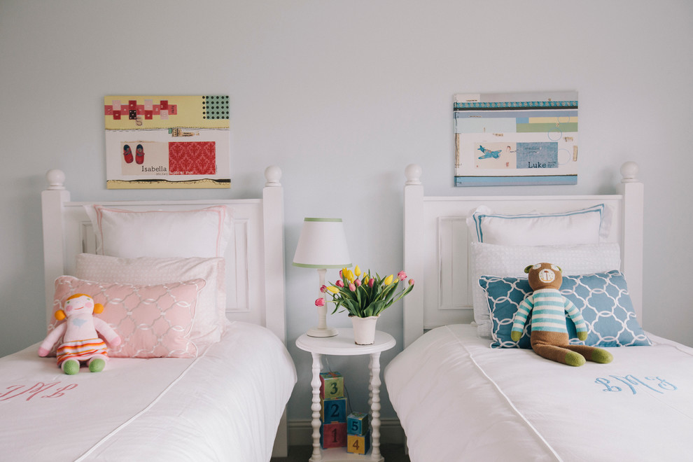 Kids' bedroom - traditional gender-neutral carpeted kids' bedroom idea in Chicago with white walls