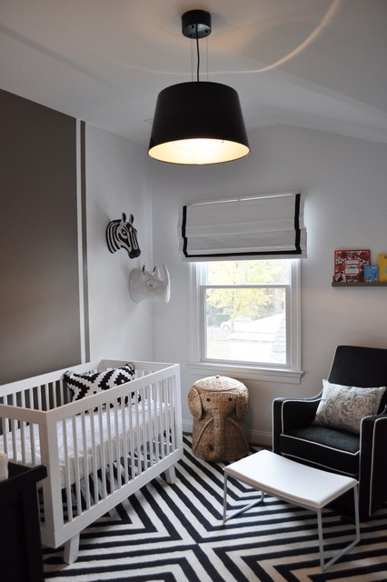 Neutral nursery lighting : Black and white nursery