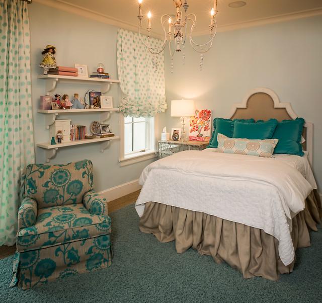 Ejemplo de dormitorio infantil de 4 a 10 años, clásico, con paredes azules y moqueta