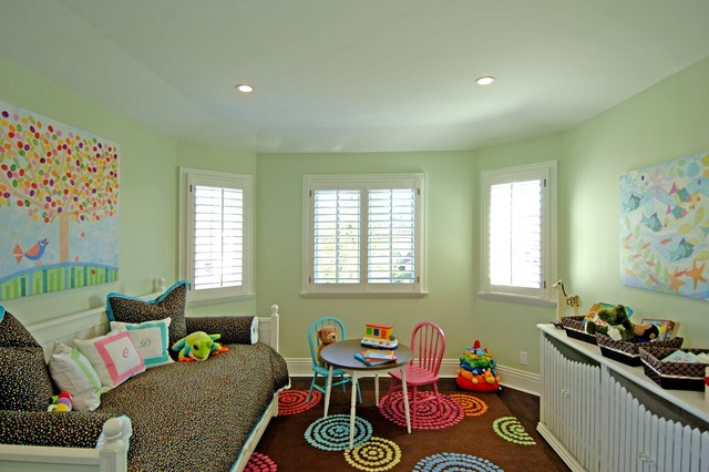 Brentwood Sophisticated traditional-kids