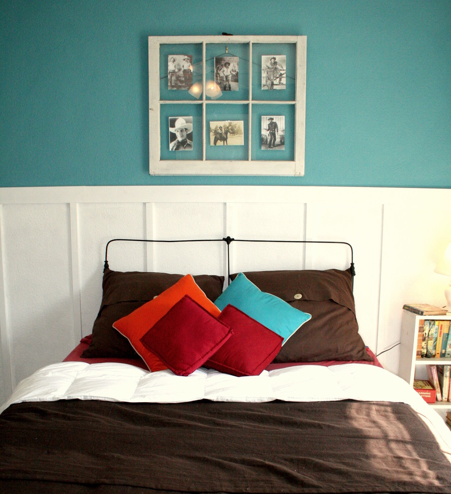 Example of a classic boy kids' room design in Dallas