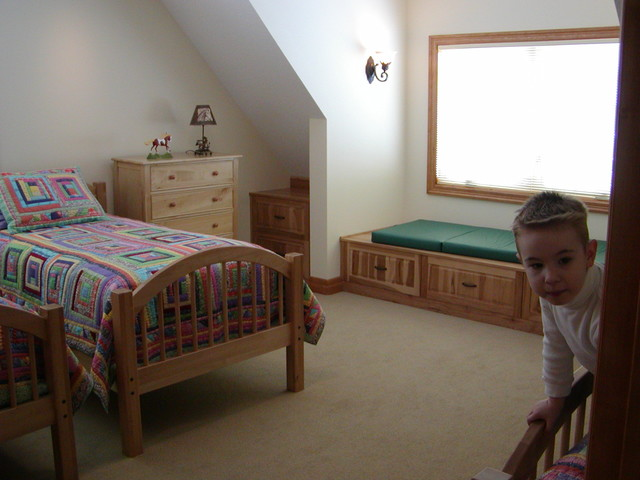 Goldendale Retreat traditional-kids