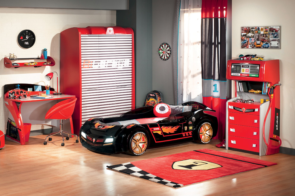 Example of a minimalist boy childrens' room design in Miami