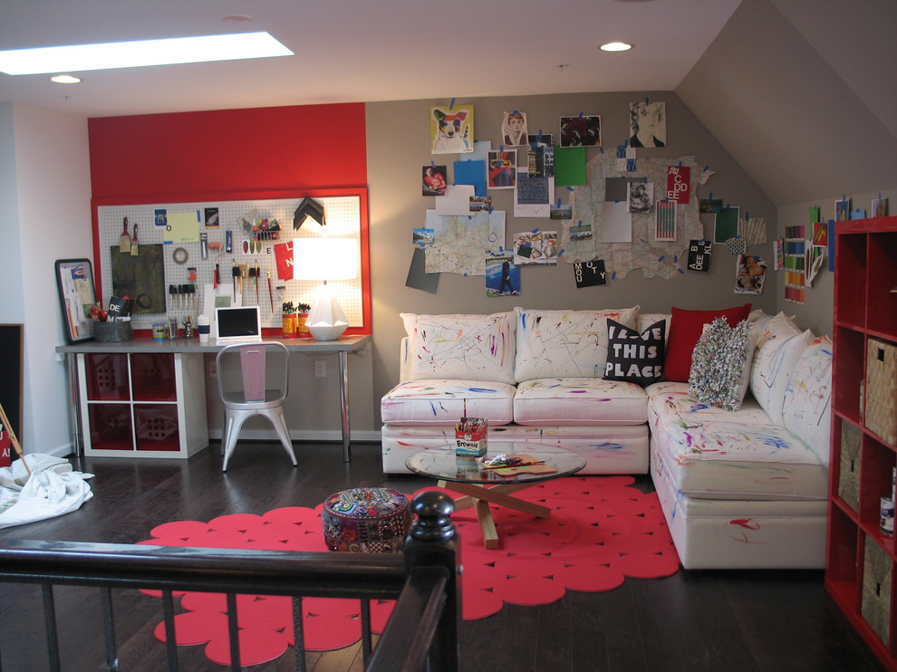 Example of a trendy kids' study room design in DC Metro with gray walls
