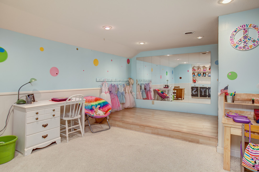Example of a classic kids' room design in Minneapolis