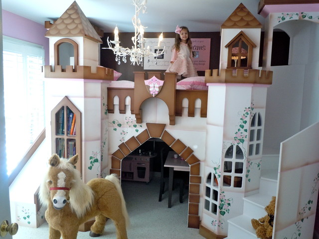 Children's Castle Bed 640 x 480