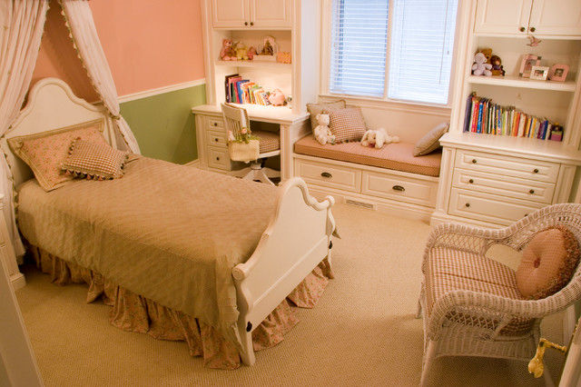 Children's Rooms traditional-kids