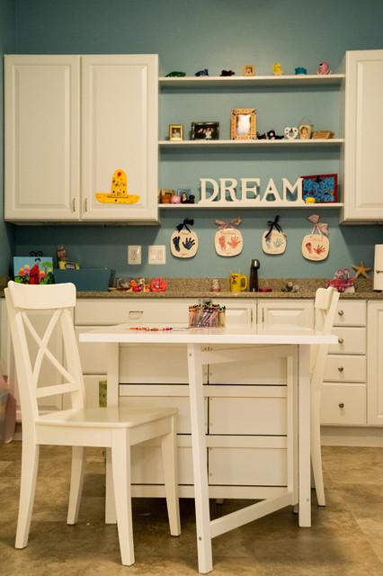 Kids' room - craftsman kids' room idea in DC Metro