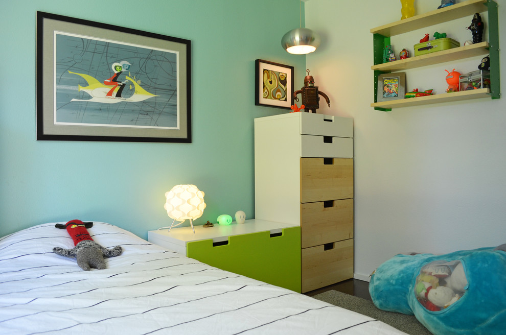 Example of a mid-century modern boy kids' room design in Dallas