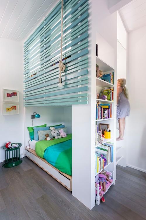 зеленые бирюзовые и белые тона интерьера для девочки двухэтажнаяя кровать
