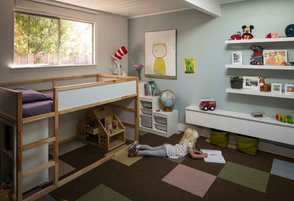 Inspiration for a 1950s gender-neutral carpeted kids' room remodel in San Francisco with gray walls