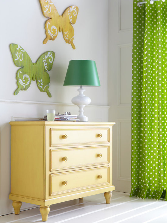 Ethan Allen Luminaries - One bright idea is all it takes! Case in point: our Brock table lamp with Kelly green shade.